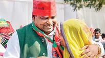 Gayatri Prajapati rape case: Two more arrested from Noida; Samajwadi party asks minister to surrender