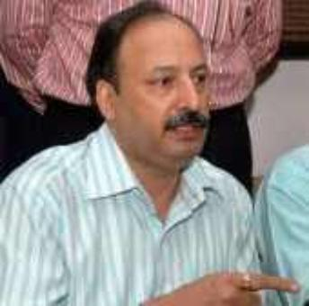 2 men, held for taking bribe in Karkare's name, acquitted