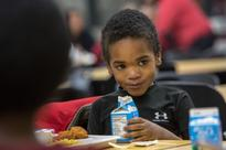 Auditor says D.C. Public Schools should manage its own food program again