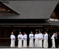 G7 leaders make stop at Shinto shrine