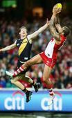 Lance Franklin destroys Richmond Tigers as Sydney Swans top AFL ladder