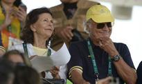 Queen's 'adorable' phone case makes Rio headlines