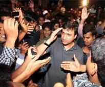 Akbaruddin Owaisi detained for violating model code, released