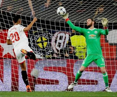 Superb De Gea shuts out Sevilla as Manchester Utd earn draw