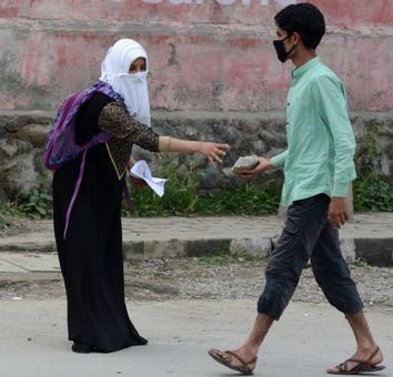 Kashmiri separatists send their kids abroad, but ask people to get on to the streets