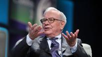 21 books billionaire Warren Buffett says you should read