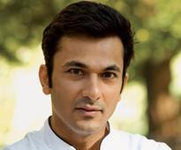 Meet: Chef-cum-Poet Vikas Khanna