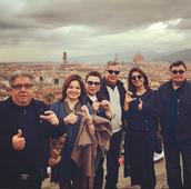 Neetu and Rishi Kapoor meet up with good friends in Milan; try the ADHM pose!