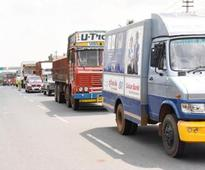 YEIDA to take action against bus drivers who stop on Yamuna e-way