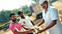 Preparing for a new life: Inmates serve misal, tea at joint