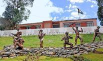 Tourists allowed to visit Wellington barracks