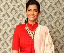 India International Jewellery Week: Sonam Kapoor up for colored stone