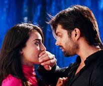Qubool Hai: Asad in awe of Zoya but fails to win her!