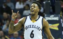 Grizzlies cut Chalmers after he rips up Achilles