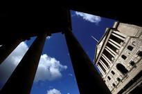 Sluggish UK economy inches forward, Bank of England unlikely to act