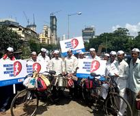 P.D. Hinduja Hospital & MRC in association with Mumbai Dabbawala deliver healthy heart messages this World Heart Day