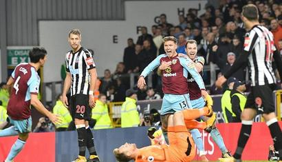 Football Briefs: Hendrick strikes late as Burnley beat Newcastle