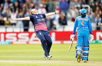 Turning Point: Shrubsole brings England back to life