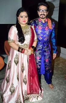 PIX: Bharti-Haarsh's Mata Ki Chowki