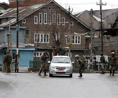 Curfew continues in Kashmir valley for 22nd consecutive day