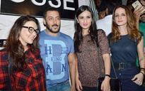 SEE PICS: Salman Khan parties with Preity Zinta and Sussanne Khan