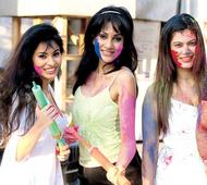 Small screen celebs indulge in some Holi revelry