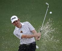 Early birdie barrage lifts Oosthuizen in Korea