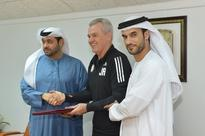 Al Wahda manager Javier Aguirre signs one-year contract extenstion with club