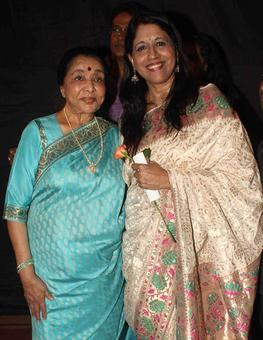 PIX: Asha Bhosle, Kavita Krishnamurthy at an award function