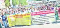 Chit fund victims take to streets