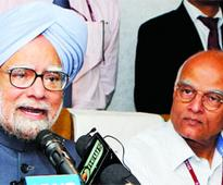 UPA averts tragedy with SP support