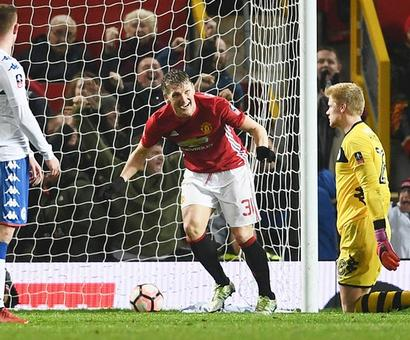FA Cup: Watford, Hull and Leeds suffer upsets; Man Utd through