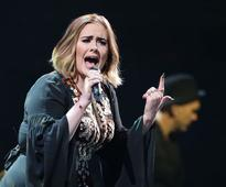 Adele hints she's waiting for her baby daddy Simon Konecki to pop the question