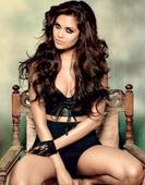 Has Esha Gupta dumped Armaan Gujral to move on to a new guy?