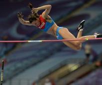 Injury puts Isinbayeva's return on hold