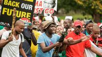 Skirmishes in Johannesburg as South Africans protest against Jacob Zuma