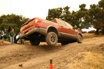 2017 Nissan Titan Pro-4X Crew Cab takes on tough terrain (Video)