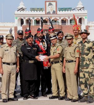 Pak invites India for talks on Kashmir
