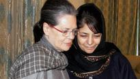 Political buzz grows in Valley as Sonia drops in to see Mehbooba