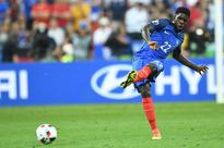 Barcelona Sign Centre Back Samuel Umtiti on Five-Year Deal