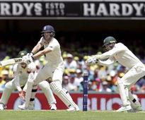 Ashes 2017: Australia score 165-4 as skipper Smith saves top-order collapse