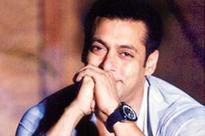 Salman thanks fans after Arms case acquittal