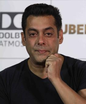 Why did Salman Khan get emotional at the Tubelight trailer launch?