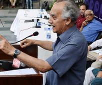 Falsehood hallmark of govt, 'top boss' Narendra Modi insecure: Arun Shourie