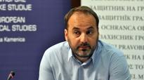 Hundreds of Serbian public figures urge ombudsman to run for president