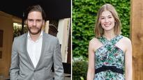 Rosamund Pike, Daniel Bruhl in Talks to Star in Palestinian Terror Drama 'Entebbe' (Exclusive)