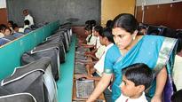 Mumbai University professor teaches computer skills to underprivileged