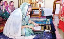 PM prays at shrines of Shahjalal, Shah Paran
