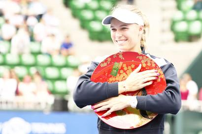Sports Shorts: Wozniacki finally wins title after seven attempts this year