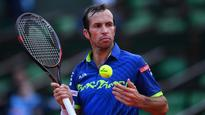 Andy Murray battles past Radek Stepanek in five-set French Open cliffhanger